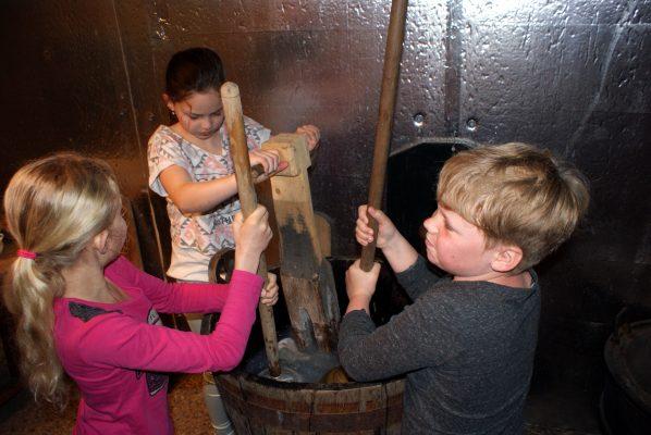 Educatieve activiteit tijdens het bezoek aan De Kluis.